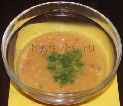 Фасолевый суп со свиной рулькой