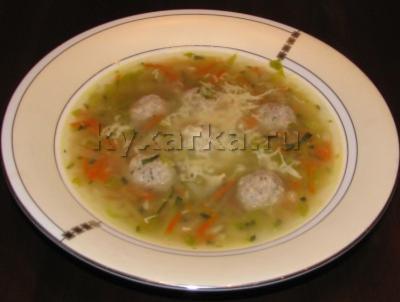 Суп с кабачком, фасолью и фрикадельками