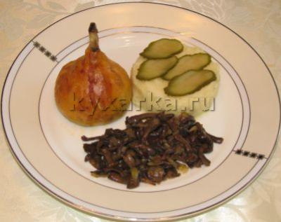 Куриные голени с грибами и сыром в тесте
