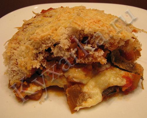 Запеканка из баклажанов с помидорами, рикоттой и пармезаном