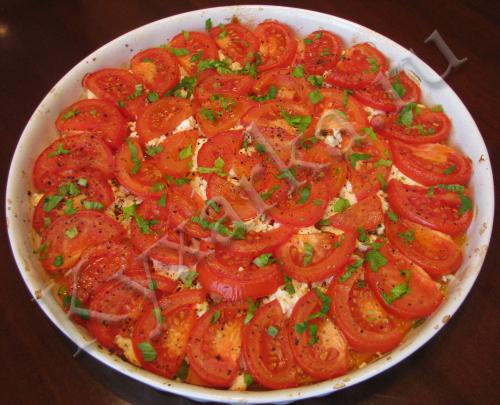 Тыква запеченная с помидорами и брынзой