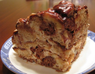 Торт «Пряничный пинчер» с бананами
