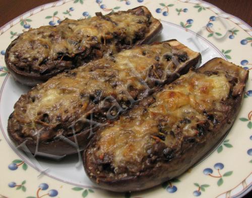 Лодочки из баклажанов с грибами